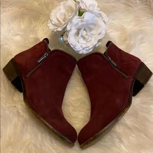 "LUCKY BRAND ""BARTALINO"" SUEDE LEATHER BOOTIES"